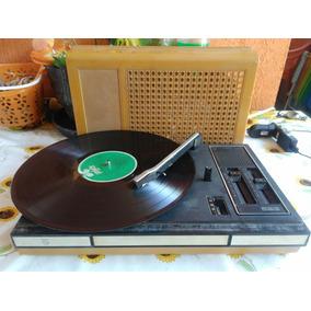 Vitrola Ou Toca Discos Philips 523 Em Goiania - Eletrônicos 6d0d43d970a
