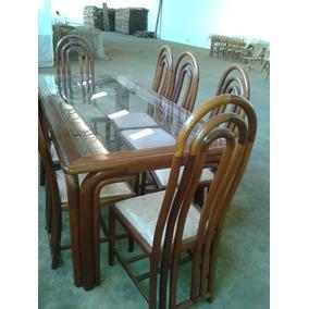 Mesa Em Madeira Mogno Com Tampo De Vidro + 8 Cadeiras