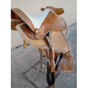 Sela Pequena - Acessórios Selas para Cavalos no Mercado Livre Brasil 1c3d4b9b183