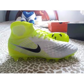 Chuteira Nike Magista Profissional - Chuteiras Nike de Campo para ... aa12d69c94958