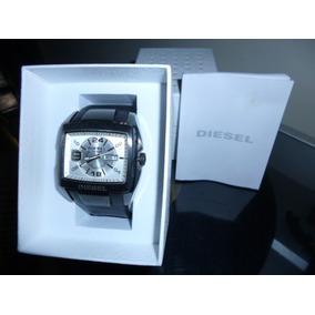 Relógio Diesel, Modelo Esportivo, Quartz, Semi Novo.