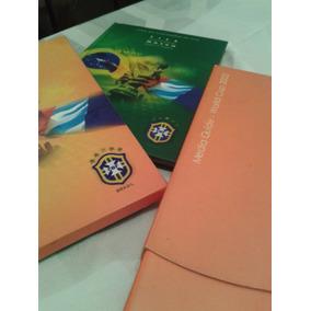 Kit Futebol Livro Fifa + Catálogo Raro Da Fifa