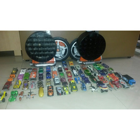 Juguetes Carritos Hot Wheels 66 Con Dos Estuches