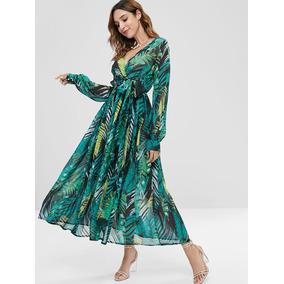 Vestido verde con hojas