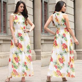 Vestido de coctel tropical elegante