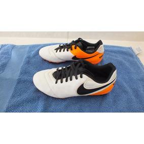 7e049db154 Chuteira Campo Nike Tiempo Genio