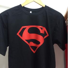 Camiseta Preta Com Emblema Vermelho Do Superman - Camisetas no ... e6d86a1b8af6c