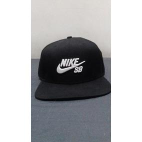 Boné Nike Sb Preto Trucker - Acessórios da Moda no Mercado Livre Brasil e905c0c08c7