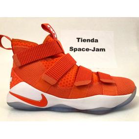 Lebron Soldier 11 Naranja. Tienda Space Jam