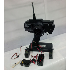 Radio Control 2 Canales, 2 Servos. 75.990 Mhz. Am. Futaba.!