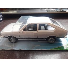 3002c0726ba Miniatura Passat - Automóveis Outras Marcas em São Paulo em ...