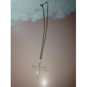 Cordão Semi Gargantilha Metal Com Cruz Pouco Uso R$59,99