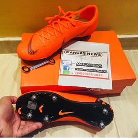 Trava De Chuteiras Da Nike Mercurial Dourada - Chuteiras no Mercado ... ba11c3e7b6a40