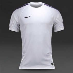 39ec38b090 Camiseta Nike - Branca