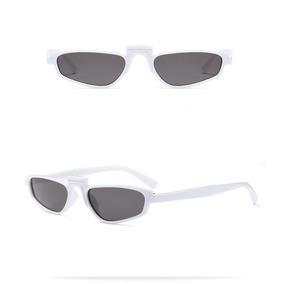 Oculos Sol Rihanna Pequeno Retangular Branco Lentes Pretas e7d8e403b6