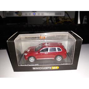 Miniatura Minichamps Porsche Cayenne Gts 1/64