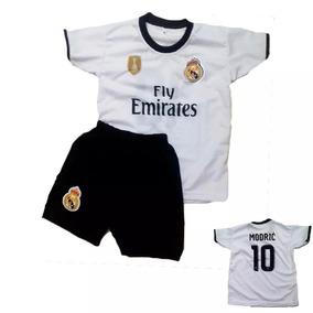 cb37325831 Kit Real Madrid - Roupas de Futebol no Mercado Livre Brasil