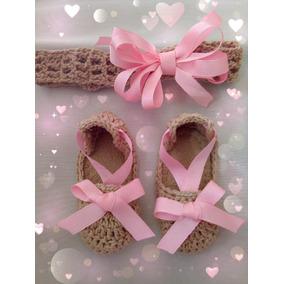 Zapatos Tejidos De Bebé Café Y Rosa Con Tiara Moño