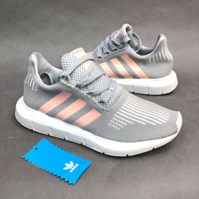 zapatos adidas de mujer gris