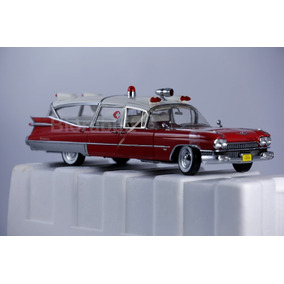 Miniatura Ambulância Cadillac 1959 Precision 1:18.