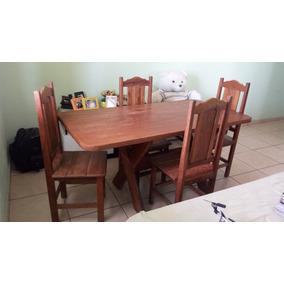 Mesa De Madeira Maciça Com 5 Cadeiras.