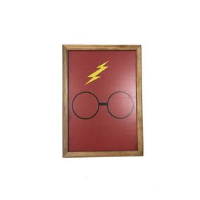 1548838495d86 Quadro Decorativo Óculos Harry Potter Mdf Vermelho 20x30cm