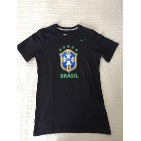 720e60a65f Livro Cbf Nike - Camisetas e Blusas no Mercado Livre Brasil