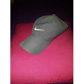 Gorra Nike Golf Color Gris Unisex 960afe301a8