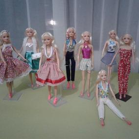 Roupas Para Boneca Barbie Frozen Kit 10 Roupinhas Oferta