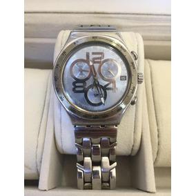 Relógio Swatch Com Fundo Azul E Pulseira Cromada Usado