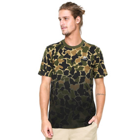 ebc7c8a080264 Camiseta adidas Originals Camo Verde - Tamanho M