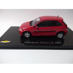 Miniatura Chevrolet Celta 1.0 2000 - 1/43
