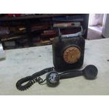 Antigo Telefone De Ferro De Parede No Estado.
