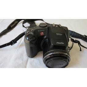 Câmera Semi-profissional Fujifilm Mod. S602z Zoon Ótico 6x