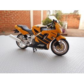 Miniatura Moto Honda Cbr 600 1:12 - 18cm