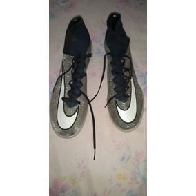 efa2c4649d34a Chuteira Nike Duas Cores - Chuteiras Nike de Campo para Adultos ...