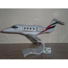 Avião Embraer Phenom 100 Emirates 1:59 Miniatura Maquete