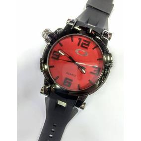 874c4a9ddc7 Relógio Oakley Crush Fundo Vermelho. - Relógios De Pulso no Mercado ...