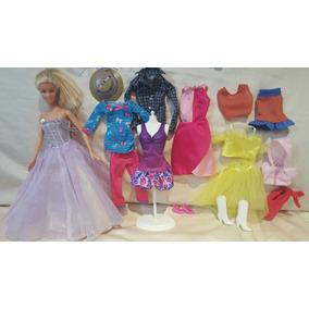 Muñeca Barbie Original De Mattel Con Gran Cantidad De Ropa,