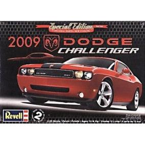 Carro Dodge Challenger Srt-8 2009 - Revell Americana