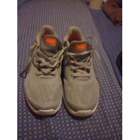 Zapato Nike Revolutions Talla Us 8.5 (25,5cm)