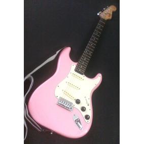 Guitarras Fender Squier Bullet Strat Rosada