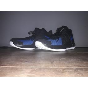 Tênis Nike Air Versitille