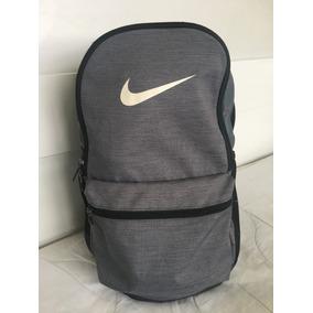 Mochila Nike Cinza