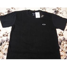 764221c462e55 Camiseta Quiksilver Logo Surf Preta - Camisetas para Masculino no ...