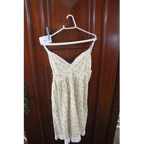 = Roupa Lote 605 Mulher Vestido Curto Florido Bordado 42