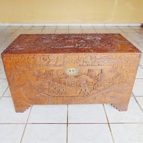 Antigo Baú Chinês Entalhado Manual Em Madeira Maciça Sândalo