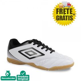 Chuteira Umbro Striker Iii Futsal Branca - Chuteiras no Mercado ... b153bbc054d28