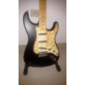 Guitarra Fender Stratocaster Lipstick