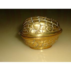 Porta Joia Em Formato De Nozes Bronze Maciço Antigo